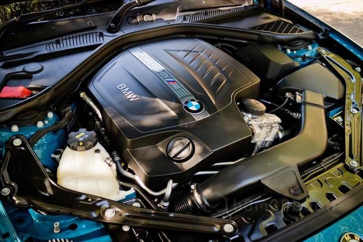 BMW-ს  ძრავის რემონტი