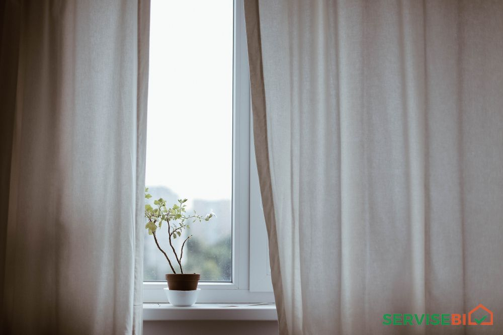 მეტალოპლასტმასის კარ-ფანჯარა.