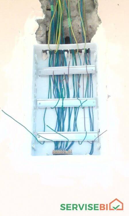 ელ   სერვისის  სრული  მომსახურება .      ელექტრო  გაყვანილობის მონტაჟი