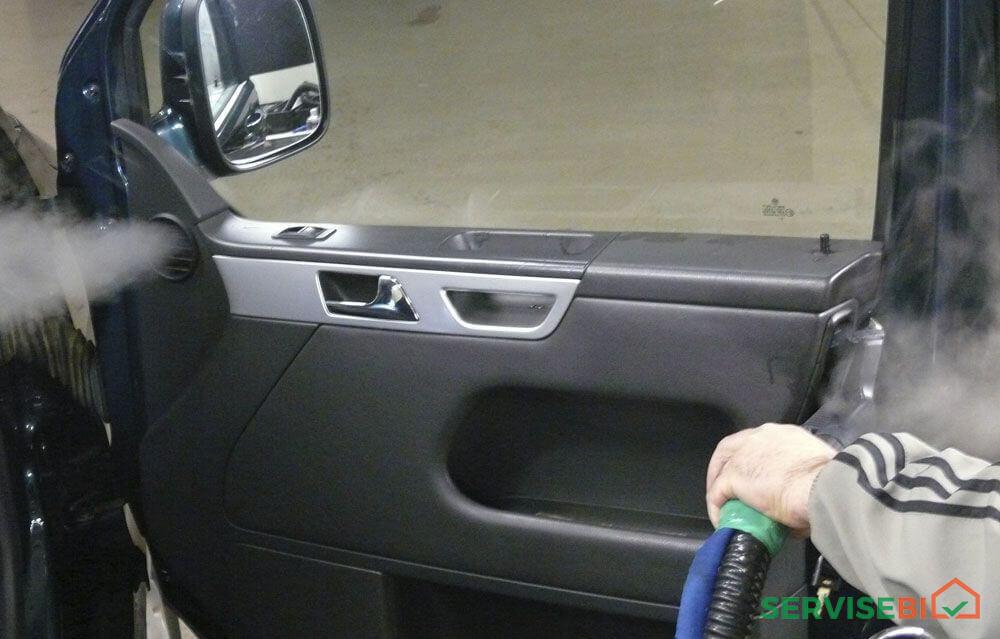 მანქანის გასუფთავება ორთქლით