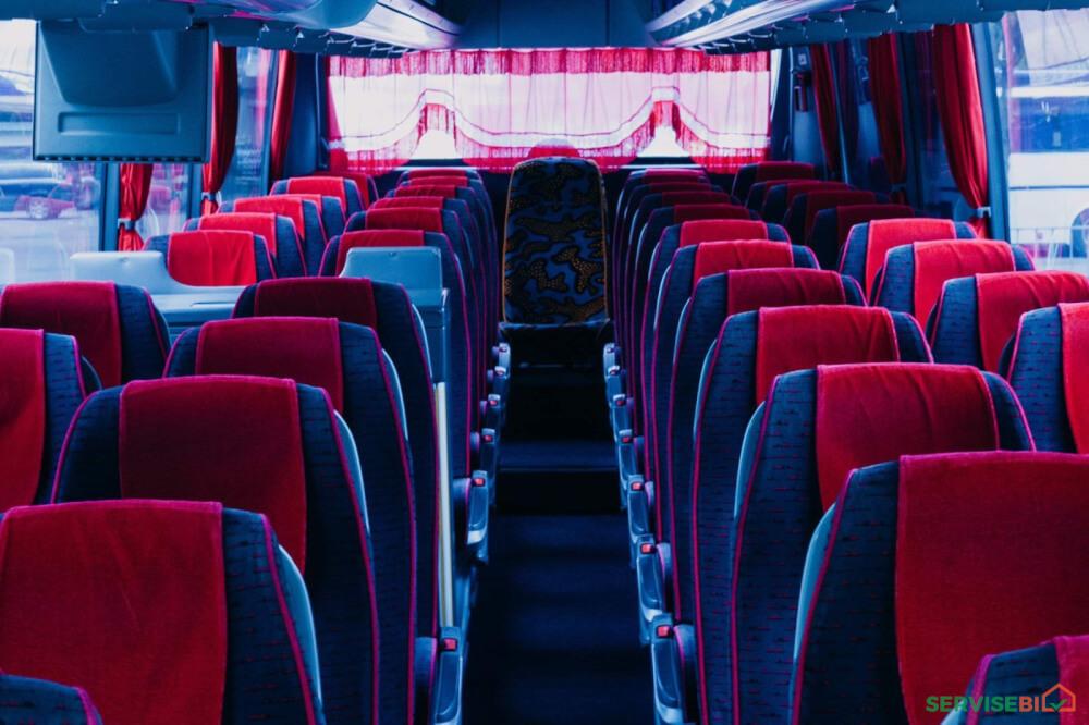 ქირავდება 46 ადგილიანი და 27 ადგილიანი ავტობუსები მძოლით