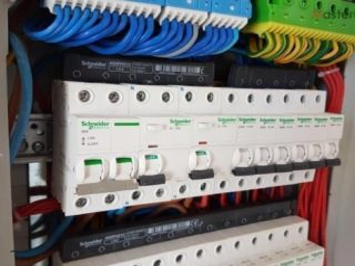 ელექტრიკოსი, სახლის ელექტრო გაყვანილობა