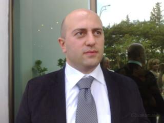 კვალიფიციური ადვოკატის მომსახურება