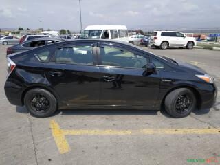 ქირავდება დღიურად Toyota Prius 2013