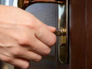 რკინის კარების საკეტის დაყენება, შეკეთება, გარემონტება