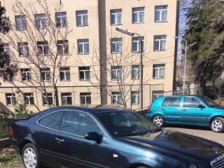 ქირავდება დღიურად Mercedes Benz CLK 320 2000