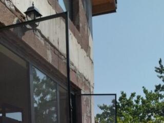 მეტალო-პლასტმასის ფანჯრების დარეგულირება და მწერებისგან დამცავი ბადეების დაყენება