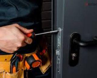 ჩაკეტილი კარის გაღება, საკეტების შეცვლა