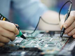 ნოუთბუქების და კომპიუტერების შეკეთება